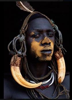 """""""İnsanlar ve Kültürler"""" - Vücut Boyası ve Vücut Piercingleri"""