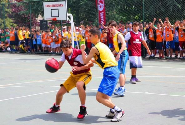 Fatih'te Sokak Basketbolu başlıyor