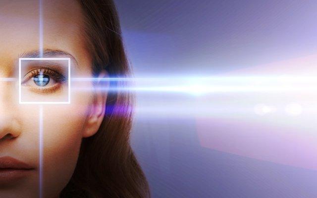 Lazer ile Gözlüklerinize ve Lenslerinize Veda Edin