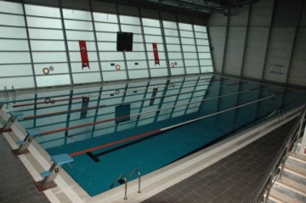 Esenler Yüzme Havuzları