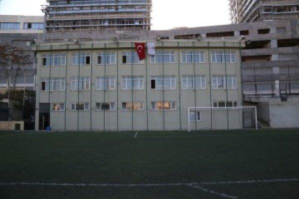 Fikirtepe Dumlupınar Futbol Sahası