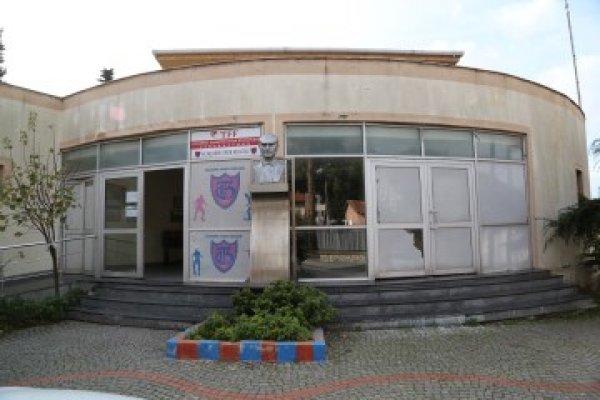 Halkalı Kapalı Spor Salonu