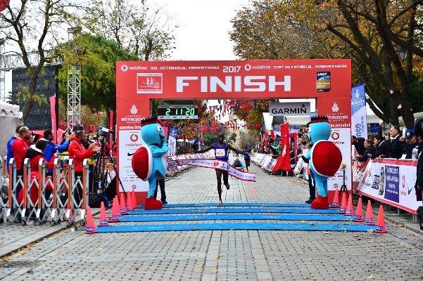 Vodafone İstanbul Maratonu renkli görüntüler