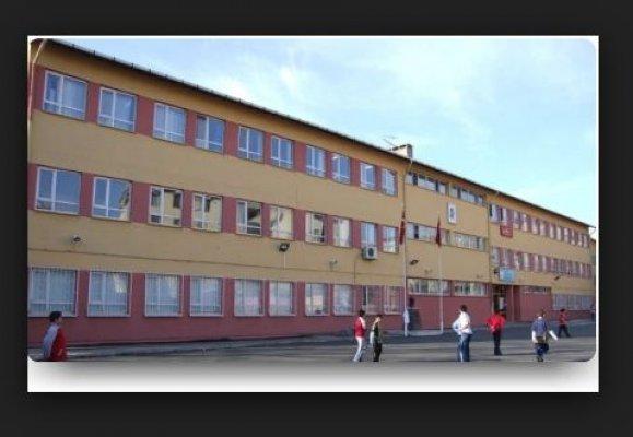 Arnavutköy-  Cumhuriyet Ortaokulu