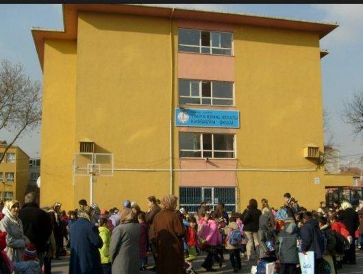 Ataşehir-Yahya Kemal Beyatlı Ortaokulu