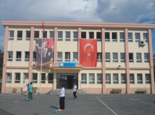 Karaburun Örfi Çetinikaya Ortaokulu