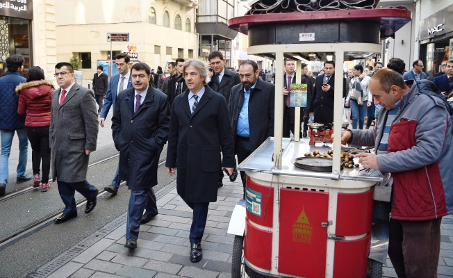 Beyoğlu'ndaki inşaat çalışmaları sürüyor