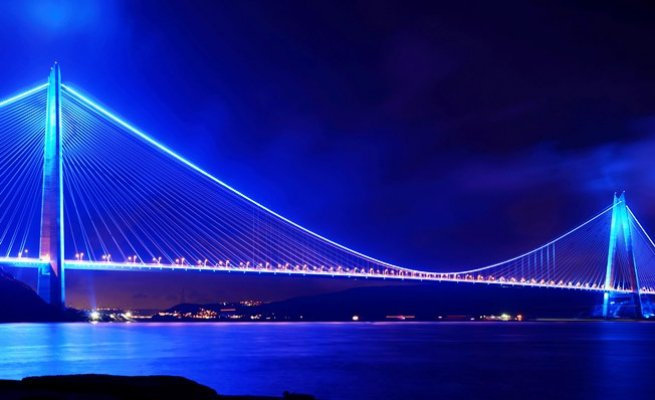 Yavuz Sultan Selim Köprüsü mavi ve turuncu ışıklarla aydınlanacak