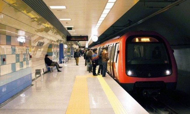 Metroda teknik arıza!Seferler Taksimaktarmalı yapılıyor