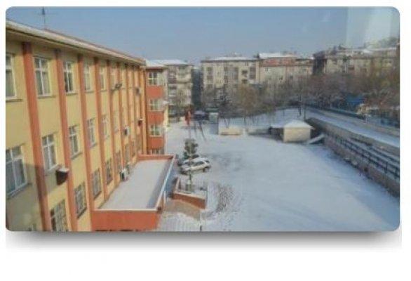 Orgeneral Eşref Bitlis Ortaokulu Ulaşım