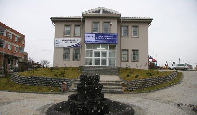 Arnavutköy Yaşlı ve Engelli Merkezi (AYEM) Nerede Yol Tarifi