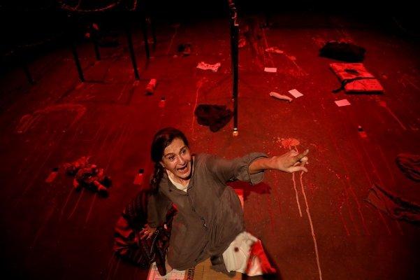 Can Yeleği - Tiyatro Oyunu