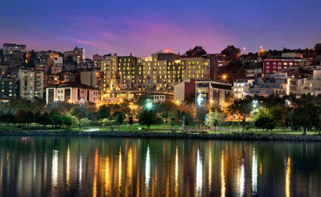 Hilton Garden Inn İstanbul Golden Horn (Beyoğlu), Otel, Yol Tarifi