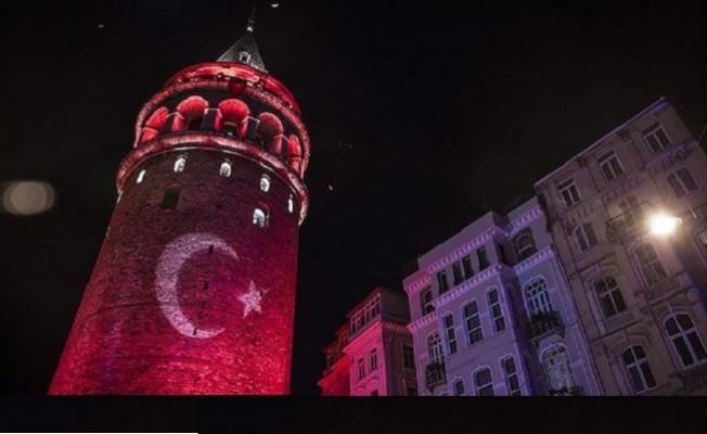 İstanbul'da bu akşam her yer kırmızı beyaz
