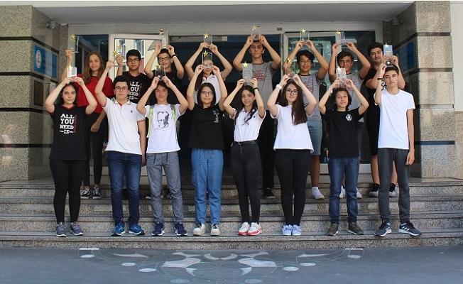 Oğuzkaan Kolejinden 4 öğrenci Türkiye birincisi oldu