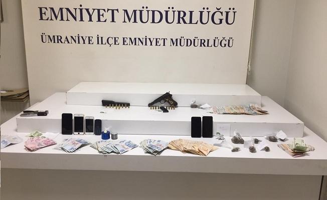 Ümraniye'de uyuşturucu satıcılarına operasyon