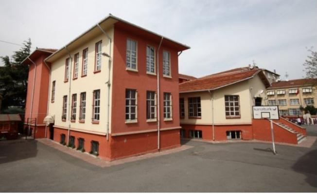 Hekimoğlu Alipaşa İlkokulu Nerede