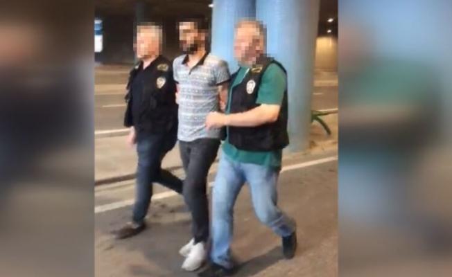 Kadıköy'de gözlük gaspçısı yakalandı