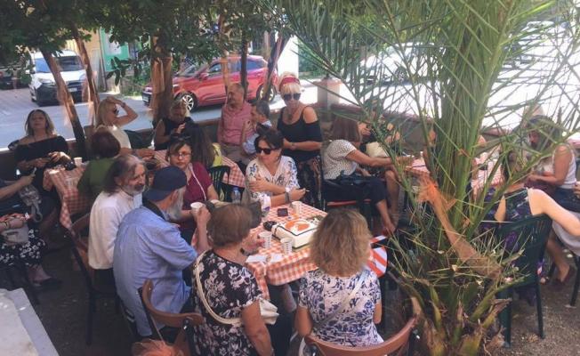 Turuncu Art Cafe Kadıköy Göztepe'de açıldı