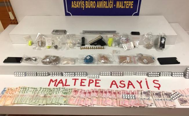 Maltepe Mobil Park timlerinden suçüstü uyuşturucu operasyonu