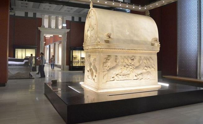 """""""Sidon Kral Nekropolü"""" ile """"Antik Çağ Heykeltıraşlığı""""salonları  yenilenerek ziyarete açıldı"""
