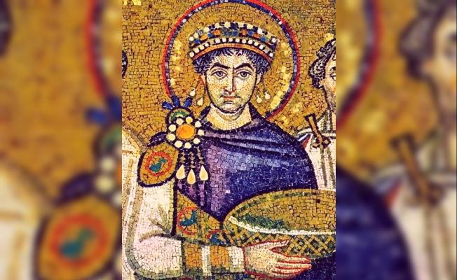 Antikçağdan Bizans İmparatorluğuna Statünün Rengi: Erguvan