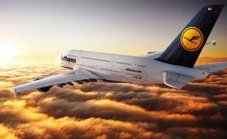 Alman uçağı Atatürk Havalimanı'na acil iniş yaptı