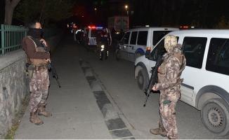 Bağcılar'da okulda silahlı çatışma