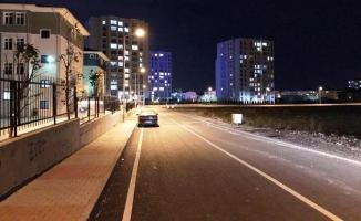 Beylikdüzü Marmara Mahallesi'nin yolları aydınlatıldı