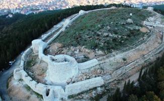 Aydos'ta 3 nefli kilise ve 800 yıllık yemek sofrası