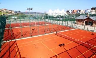 Sultanbeyli Gölet ve Spor Tesisleri Tenis Kortu