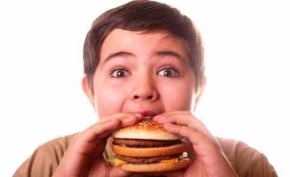 Obezite cerrahisi yaşı, ergenlik çağına kadar geriledi