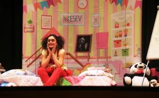 Esev'in ilk tiyatro oyunu çocuklara