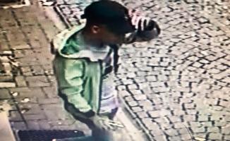 Fatih'te Türkmen kadının altın zincirini çalan kapkaççı yakalandı