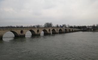 Saray Köprüsü (Kanuni Köprüsü)