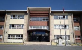 Tepecik Hüsnü M. Özyeğin Ortaokulu