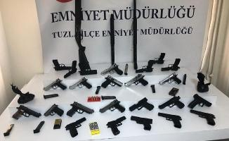Tuzla'da asayiş uygulamasında silahlar ele geçirildi