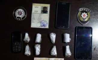 Gece Kartalları Bağcılar'da uyuşturucu satıcılarını suçüstü yakaladı