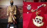 bquot;Altın Elbiseli Adamquot; İstanbul#039;da/b