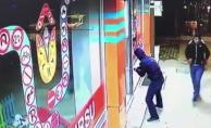 Arnavutköy'de hırsızlık anı kamerada