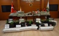 bPendik#039;te depoda uyuşturucu yetiştirmişler/b