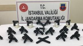 Fatih'te marangoz atölyesine kaçak silah operasyonu
