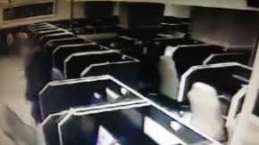 İnternet kafede cep telefonu hırsızlık anı