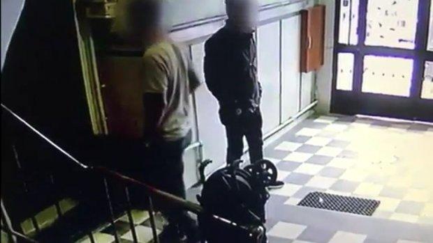 Fatih'te ev hırsızları yakalandı