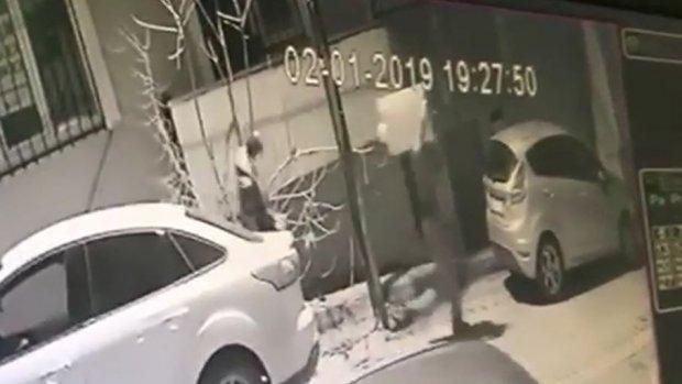 Avcılar'da ev hırsızları yakalandı