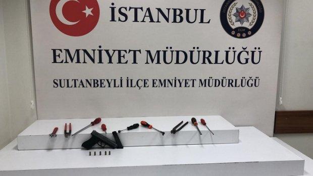 Sultanbeyli'de okul servisli hırsızlar yakalandı